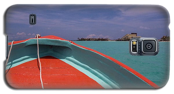 At The Bow Of A Ponga Galaxy S5 Case
