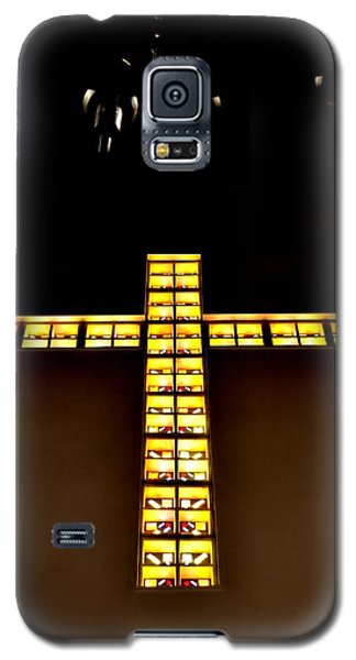 Galaxy S5 Case featuring the photograph At The Cross by Deena Stoddard