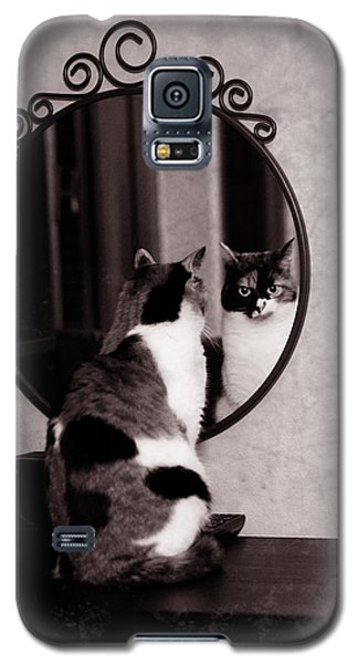 Galaxy S5 Case featuring the photograph At The Mirror by Laura Melis