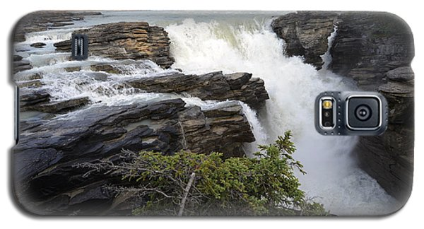 Galaxy S5 Case featuring the photograph Athabasca Falls Jasper by Yue Wang