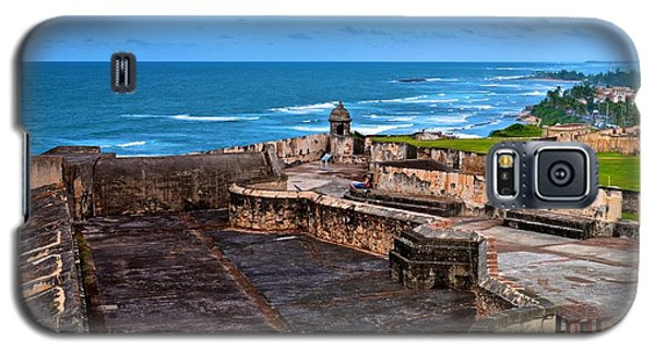 Galaxy S5 Case featuring the photograph Atlantic Ocean From Fort San Cristobal by Ricardo J Ruiz de Porras
