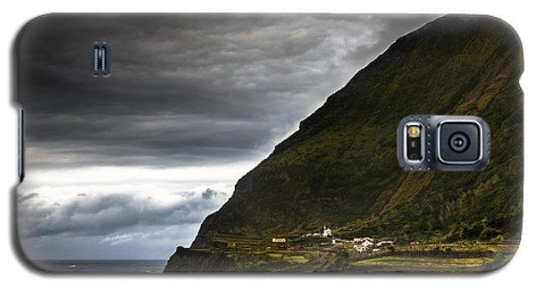 Galaxy S5 Case featuring the photograph Atlantis by Edgar Laureano
