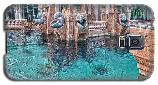 Galaxy S5 Case featuring the photograph Atlantis Resort In The Bahamas by Timothy Lowry