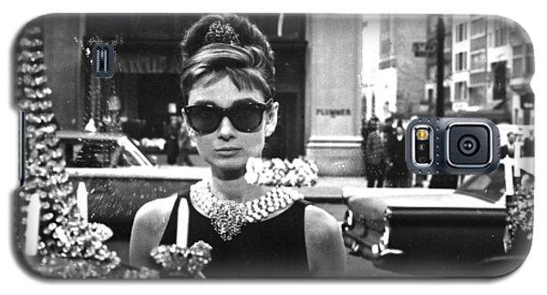 Audrey Hepburn Breakfast At Tiffany's Galaxy S5 Case by Georgia Fowler