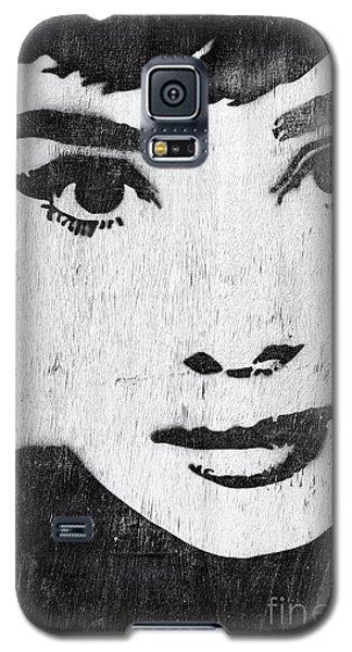 Audrey Hepburn Galaxy S5 Case by Tim Gainey