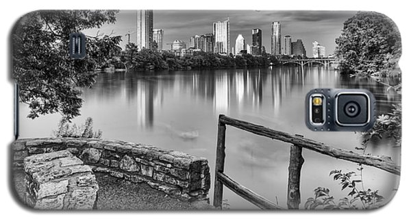 Austin Texas Skyline Lou Neff Point In Black And White Galaxy S5 Case