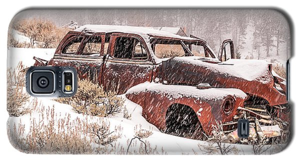 Galaxy S5 Case featuring the photograph Auto In Snowstorm by Sue Smith