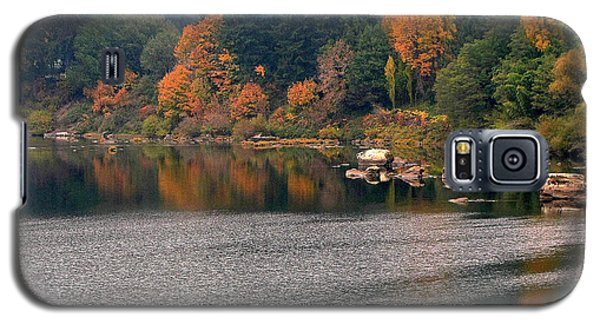 Autumn Along The Umpqua Galaxy S5 Case by Suzy Piatt
