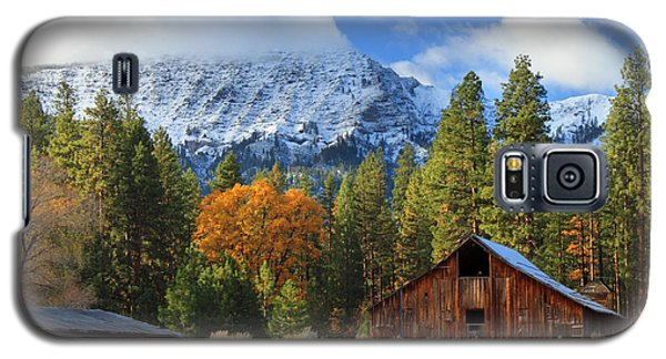 Autumn Barn At Thompson Peak Galaxy S5 Case
