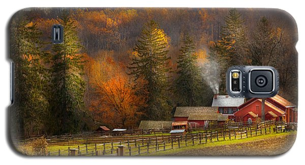 Autumn - Barn - The End Of A Season Galaxy S5 Case