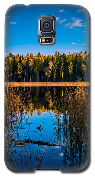 Galaxy S5 Case featuring the photograph Autumn In The Kootenays by Rob Tullis