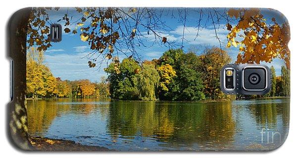 Autumn In The Park 2 Galaxy S5 Case by Rudi Prott