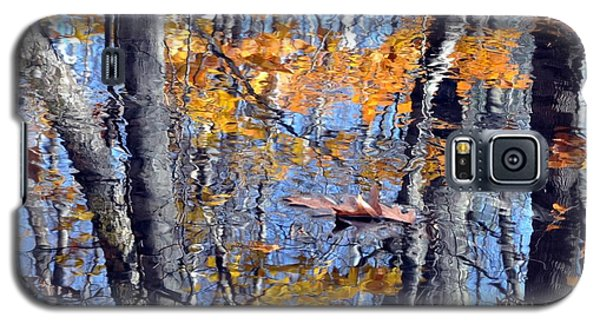 Autumn Reflection With Leaf Galaxy S5 Case
