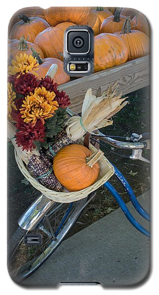 Galaxy S5 Case featuring the photograph Autumn Shopping by Wayne Meyer