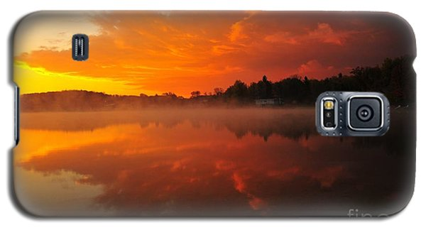 Autumn Sunrise At Stoneledge Lake Galaxy S5 Case by Terri Gostola