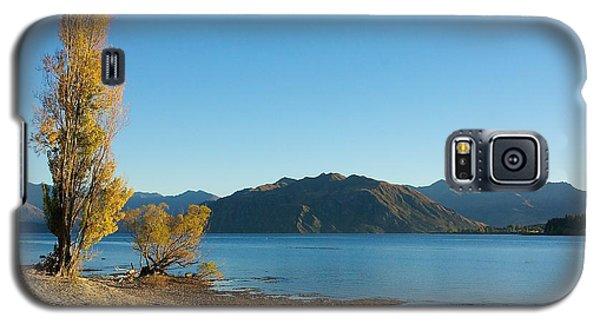 Autumn Trees At Lake Wanaka Galaxy S5 Case by Stuart Litoff