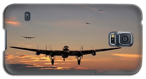 Avro Lancaster - Dawn Return Galaxy S5 Case by Pat Speirs