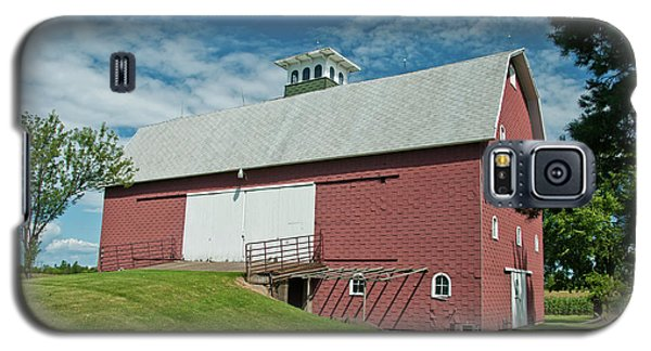 Galaxy S5 Case featuring the photograph Babcock Barn 2263 by Guy Whiteley