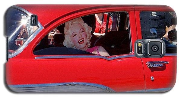 Galaxy S5 Case featuring the photograph Back Seat Marilyn by Ed Weidman