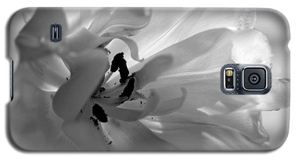 Backlit Black And White Tulip Galaxy S5 Case