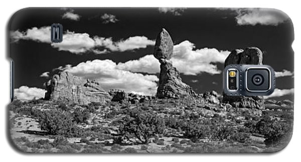 Balanced Rock Galaxy S5 Case by Larry Carr
