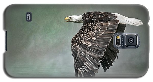 Galaxy S5 Case featuring the photograph Bald Eagle In Mist by Brian Tarr