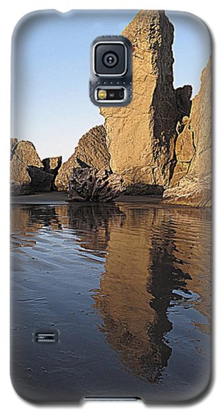 Galaxy S5 Case featuring the photograph Bandon Rocks by Suzy Piatt