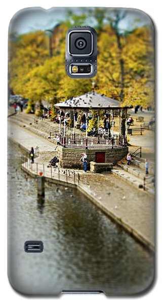 Bandstand In Chester Galaxy S5 Case by Meirion Matthias