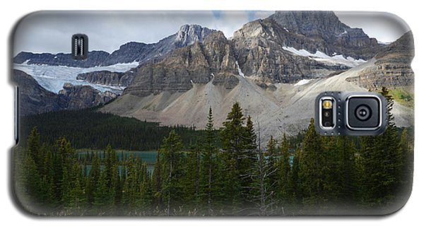 Galaxy S5 Case featuring the photograph Banff National Park by Yue Wang