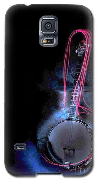 Galaxy S5 Case featuring the photograph Banjo by Randi Grace Nilsberg
