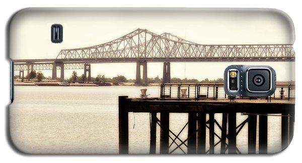 Galaxy S5 Case featuring the photograph Bank The Bridge by Davina Washington
