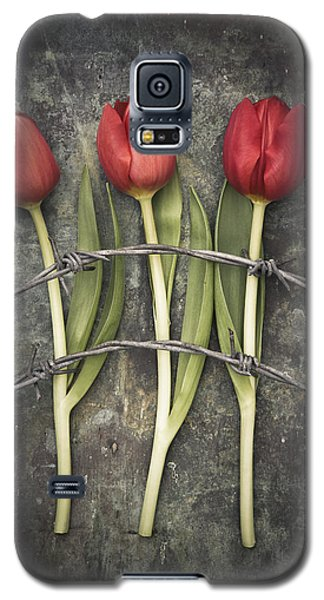 Barbed Wire And Tulip Galaxy S5 Case