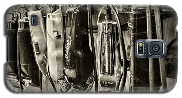 Barbershop Clippers In Black And White Galaxy S5 Case by Paul Ward