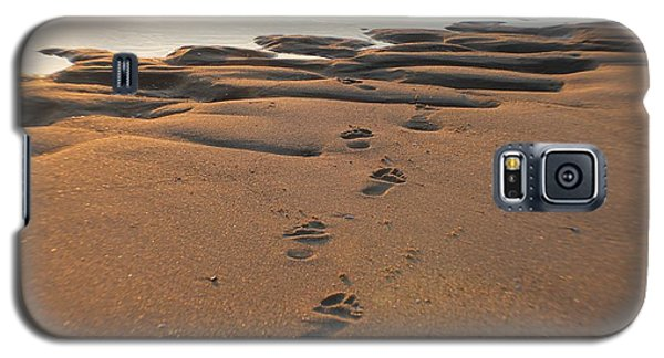 Galaxy S5 Case featuring the photograph Barefoot In Sand by Robert Banach