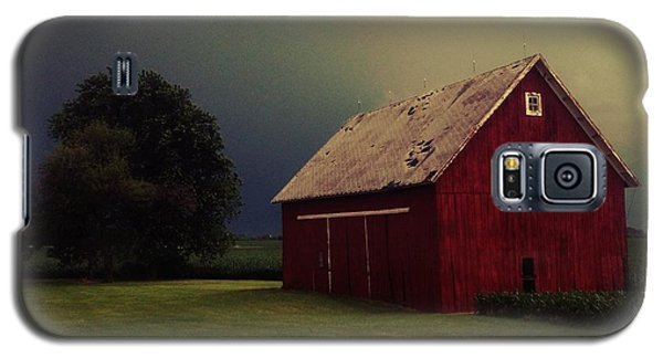 Barn And Tree Galaxy S5 Case by Tim Good