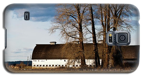 Galaxy S5 Case featuring the photograph Barn And Trees by Ron Roberts
