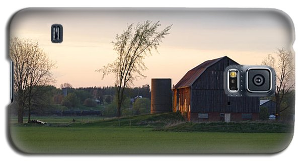Barn At Dusk Galaxy S5 Case