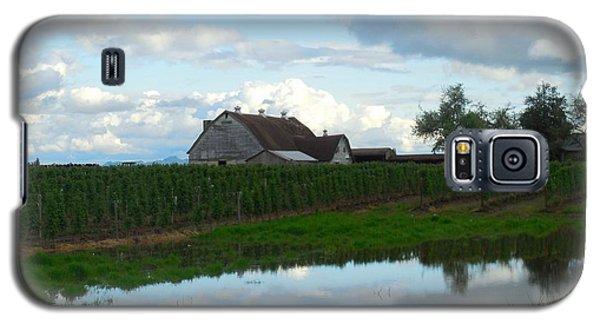 Barn Reflected In Pond  Galaxy S5 Case by Karen Molenaar Terrell