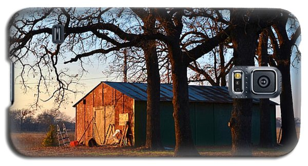 Barn Under Oak Trees Galaxy S5 Case