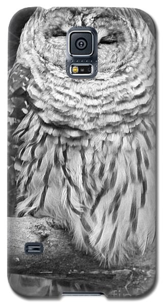 Galaxy S5 Case featuring the photograph Barred Owl In Black And White by John Telfer