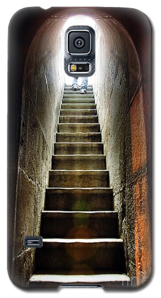 Dungeon Galaxy S5 Case - Basement Exit by Carlos Caetano
