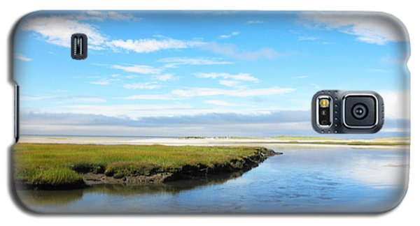 Galaxy S5 Case featuring the photograph Bass Hole II by David Klaboe