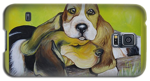 Galaxy S5 Case featuring the painting Bassett Hound Pups by Leslie Manley