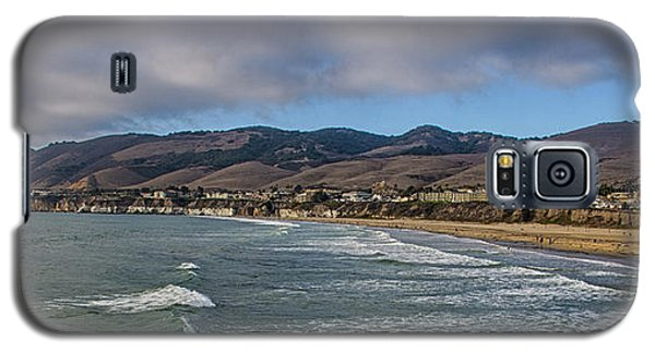 Galaxy S5 Case featuring the photograph Beach Community by Joseph Hollingsworth