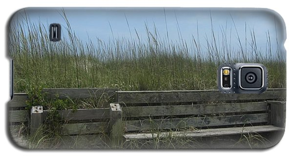 Beach Grass And Bench  Galaxy S5 Case by Cathy Lindsey