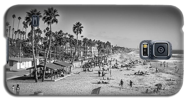 Galaxy S5 Case featuring the photograph Beach Life From Yesteryear by John Wadleigh