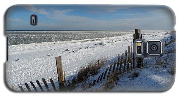 Beach On A Winter Morning Galaxy S5 Case