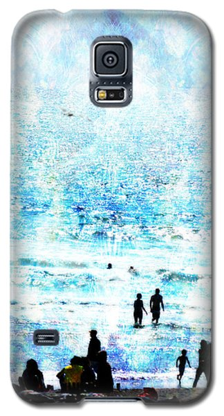 Galaxy S5 Case featuring the photograph Beach Scene Expressions by John Fish