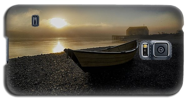 Beached Dory In Lifting Fog  Galaxy S5 Case by Marty Saccone
