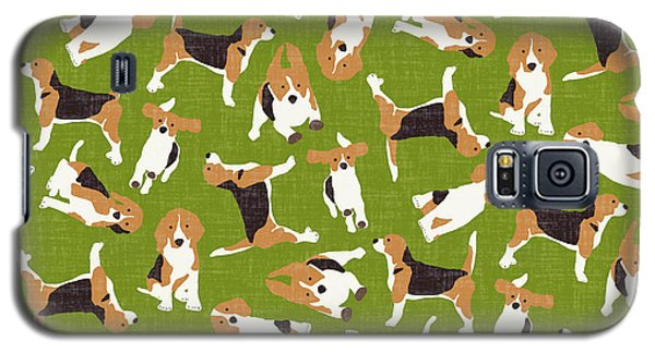 Beagle Scatter Green Galaxy S5 Case by Sharon Turner